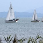 Chiemsee, IJsselmeer oder Flensburger Förde – Teambuilding unter Segeln geht überall.