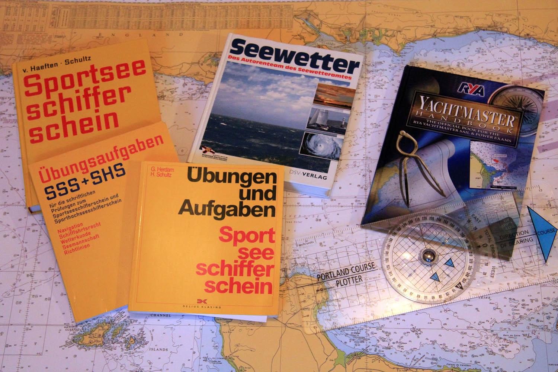 Literatur für den Sportseeschifferschein SSS und den RYA Yachtmaster Offshore